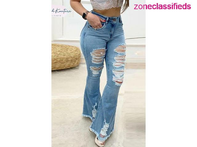 #BRE DISTRESSED BELL-BOTTOM JEANS# - 1/2