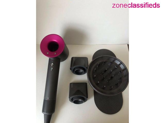 Dyson Airwrap and Hair dryer - 6/7